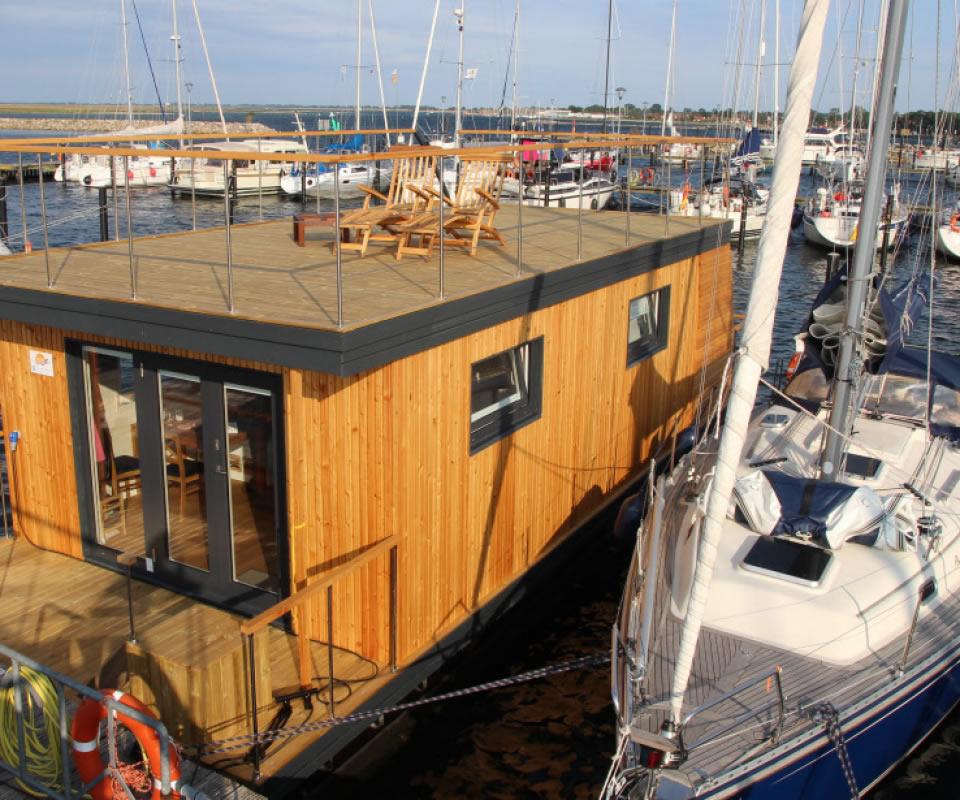 Slider Hausboot-Frontansicht